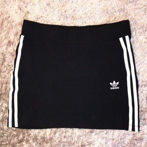 black adidas originals mini skirt size small 🖤